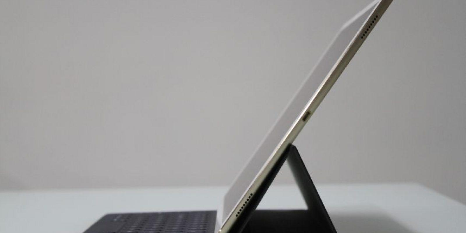 Sonido. Los cuatro altavoces ubicados en cada una de las esquinas dan una experiencia que va más allá de lo funcional. Aunque debido a su diseño y tamaño, no cuenta con entrada para audífonos, por lo que deberán utilizar alguno Bluetooth. Foto:Fuente externa