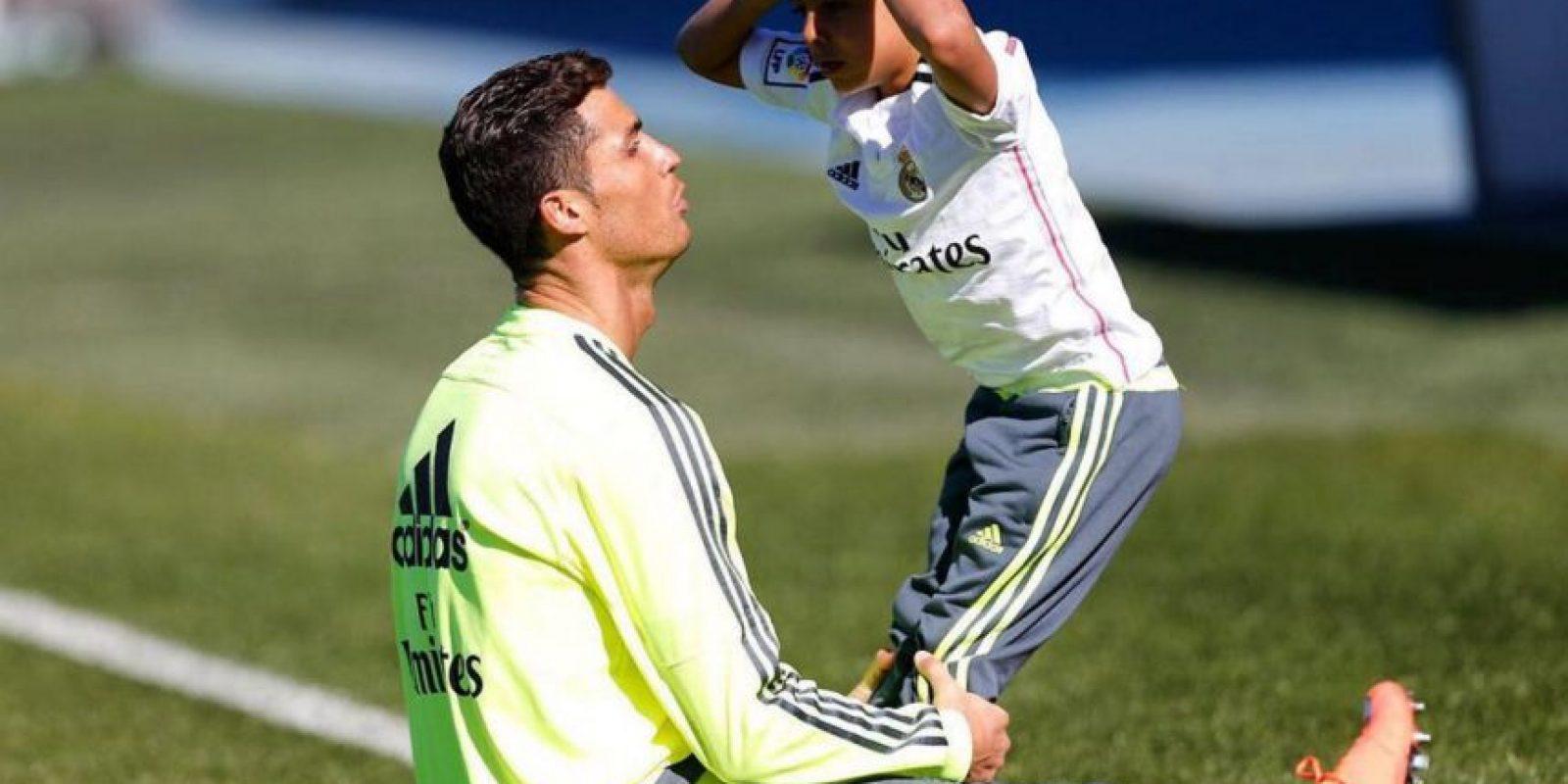 Cristiano Ronaldo siempre ha demostrado ser muy unido con su hijo. Foto:Vía instagram.com/Cristiano