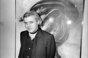 12. H.G. Gigger / El artista suizo murió el 12 de mayo de 2014, un día después de que Ramsey anotara. Foto:Getty Images