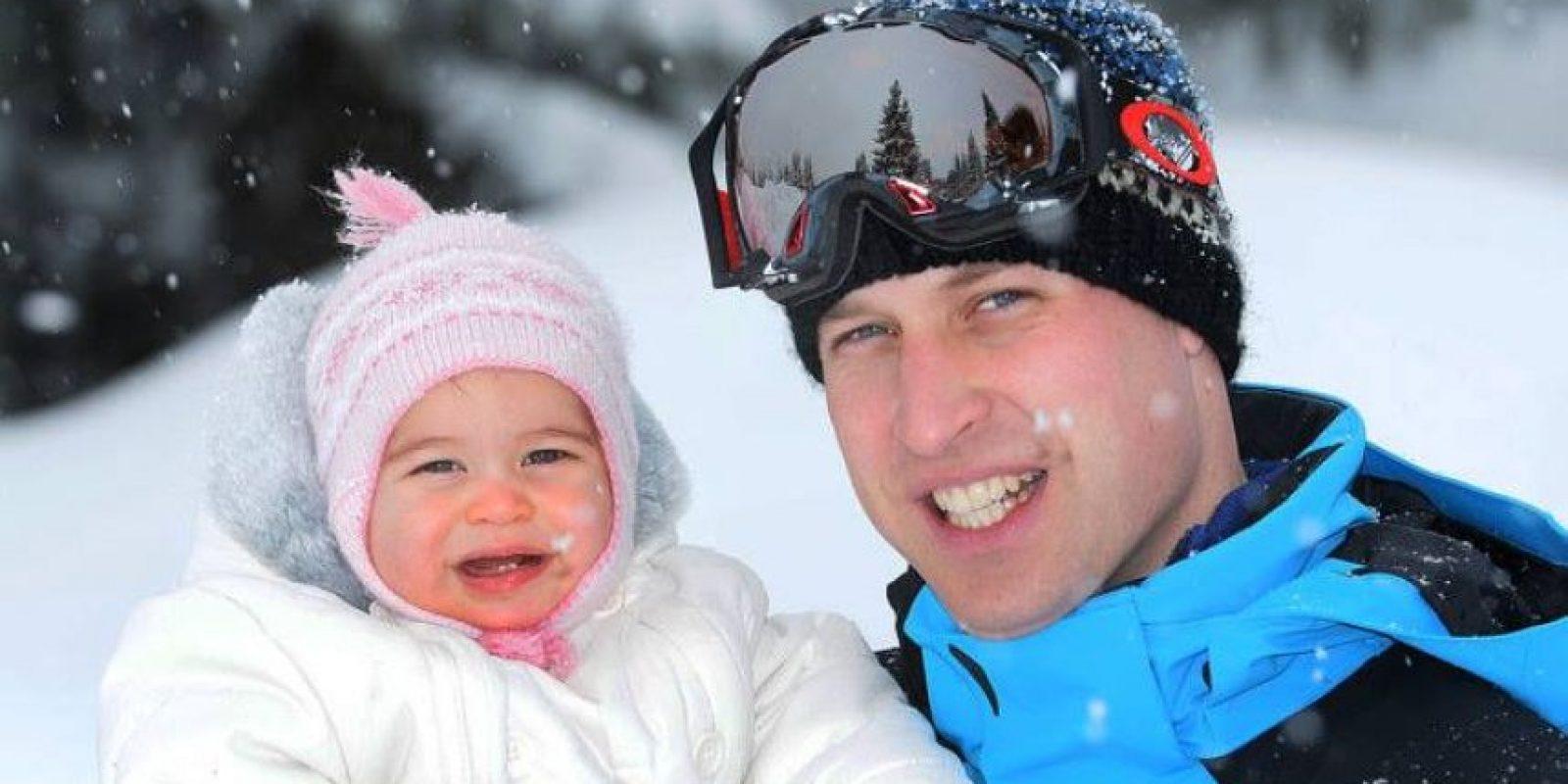 La princesa Charlotte ya tiene sus primeros dientes Foto:Facebook.com/TheBritishMonarchy