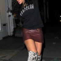 Fue criticada en una visita a Londres en 2012 por usar botas de serpiente. Foto:Vía twitter.com