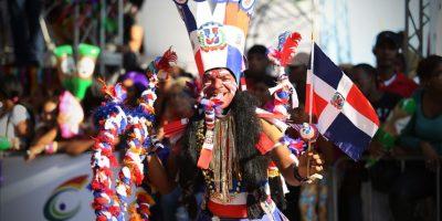 El Malecón acogió el Desfile Nacional del Carnaval 2016