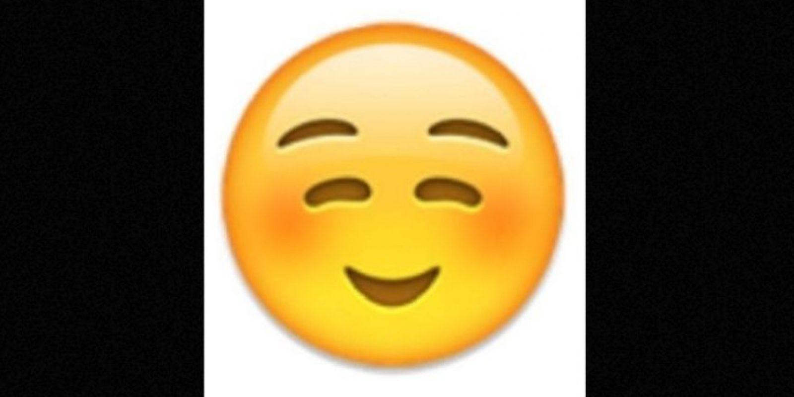 No es un rostro de pena o vergüenza, simplemente es una sonrisa Foto: emojipedia.org