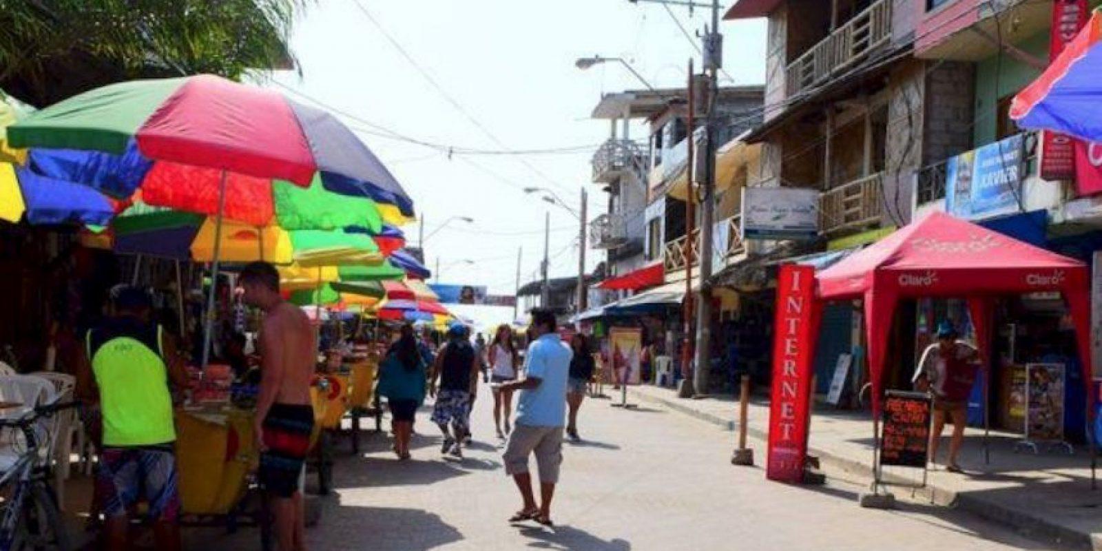 Todos los años se realizan campeonatos de Surf auspiciados por firmas y marcas ecuatorianas de deportes. Foto:facebook.com/montanitafans