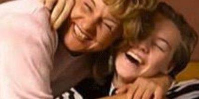 Esta foto de Leonardo DiCaprio con su mamá ha causado gran revuelo