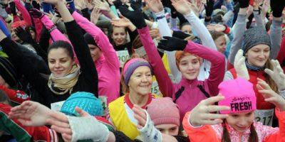 """Mujeres y niñas participan en la carrera """"Beaty Run"""". Foto:AFP"""