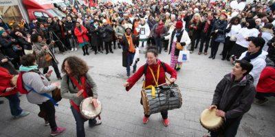 En las demostraciones, se apoyó a las mujeres latinoamericanas Foto:AFP