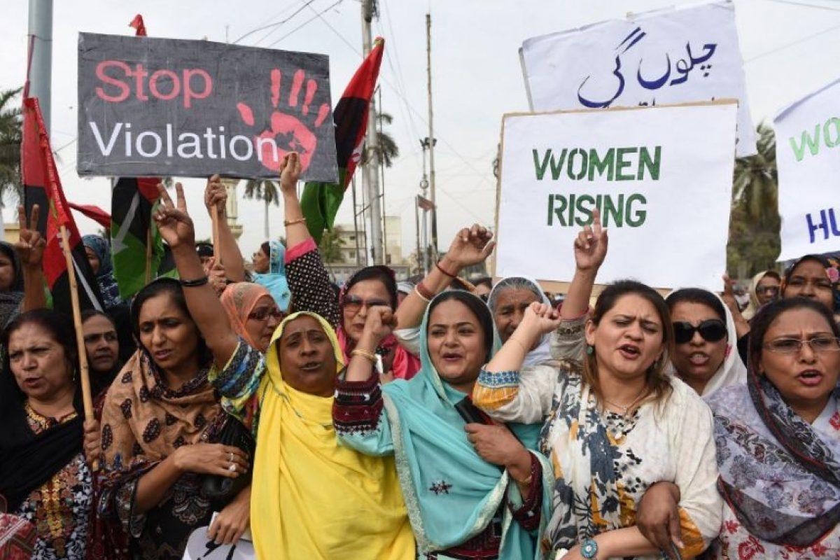 Activistas del Partido Pakistán Popular marchan para conmemorar su día Foto:AFP