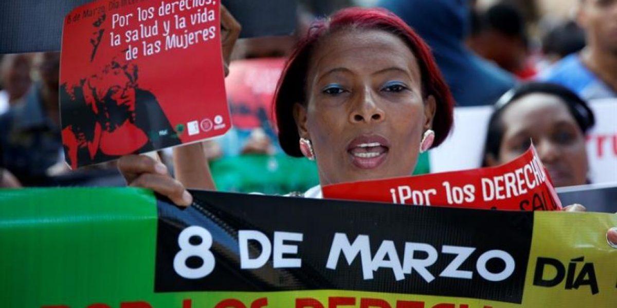 Mujeres denuncian discriminación y desigualdad en su día