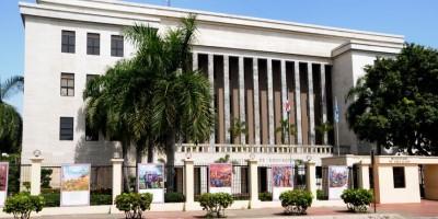Educación deplora suspensión de clases en Azua que afecta a 28 mil estudiantes