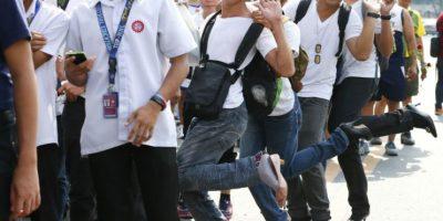 Hombres se unen a los movimientos usando tacones. Foto:AP