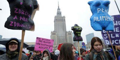Algunas mujeres se caracterizaron para manifestarse a favor de sus derechos. Foto:AP