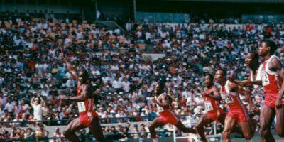 Ben Johnson. Ganó la medalla de oro en los 100 metros de los Juegos Olímpicos de Seúl 1988, con récord incluido, pero horas después su marca fue invalidada porque dio positivo en las pruebas antidopaje. Foto:Getty Images