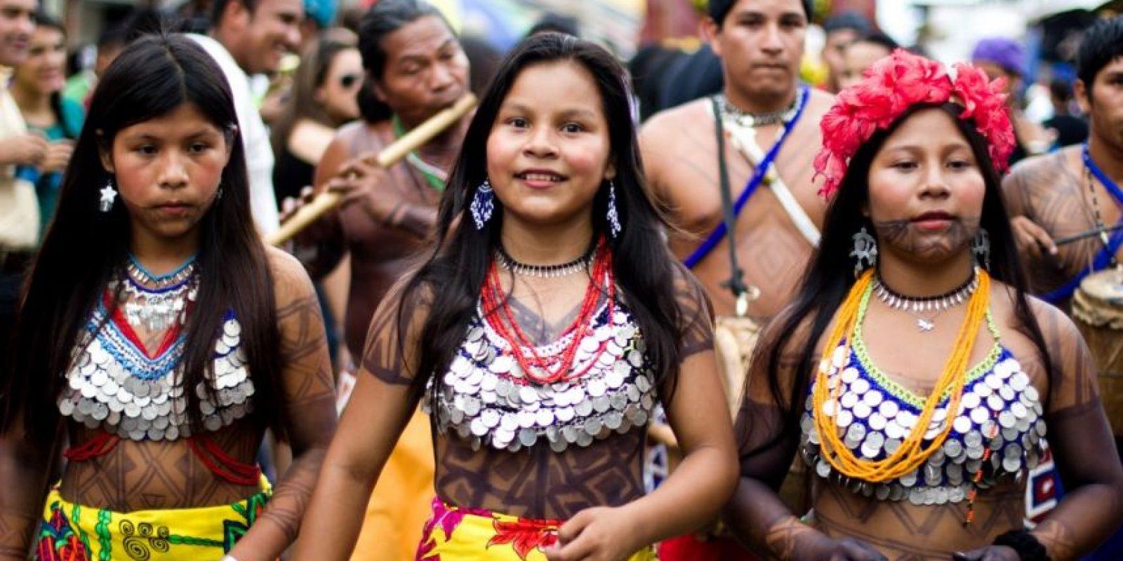 Algunas mujeres chilenas forman parte del grupo indígena Mapuche. Foto:Wikipedia.org