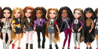 Las Bratz se lanzaron en 2001 como competidoras de Barbie con éxito rotundo. Son muñecas que representan la estética adolescente y urbana. Foto:vía MGAE