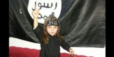 Algunos menores trabajan para EI como informantes, hombres bomba o escudos humanos. Foto: Twitter.com – Archivo