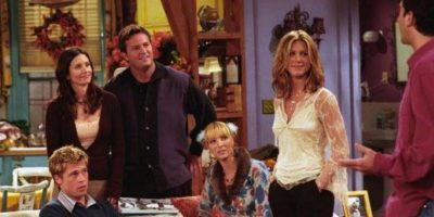"Brad Pitt en ""Friends"" Foto: Warner"
