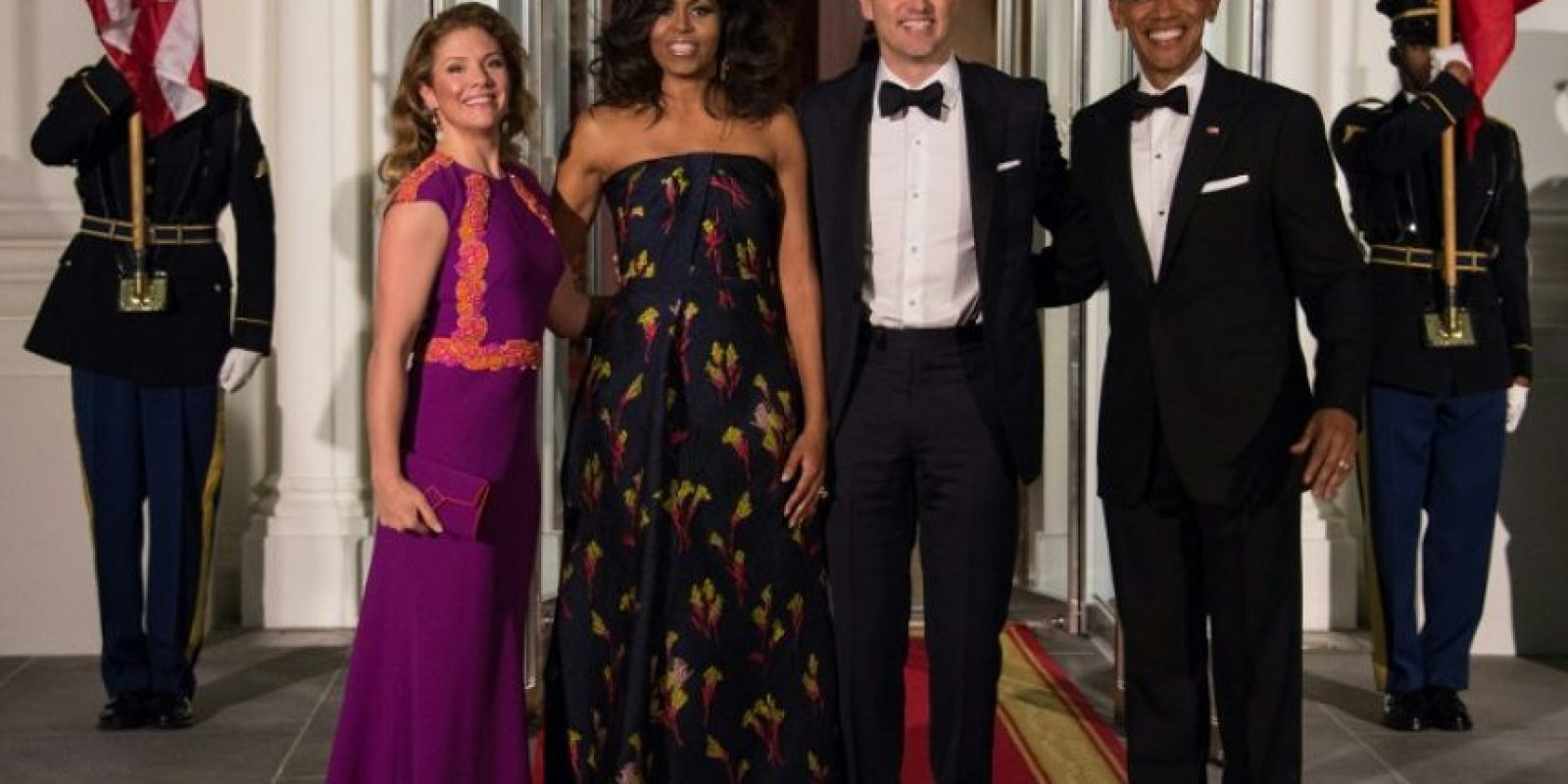 El presidente Barack Obama y la primera dama, Michelle Obama, recibieron al primer ministro canadiense, Justin Trudeau, y su esposa, Sophie Grégoire, en la Casa Blanca Foto:AFP