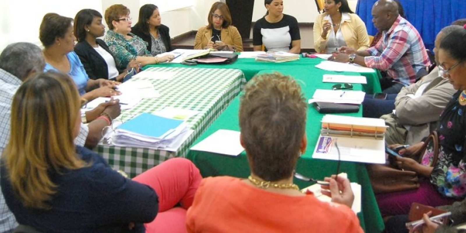 Milagros Cabral, José Luis Suero y la viceministra Yadira Issa encabezaron los trabajos que se realizaron este jueves en la preparación de los Juegos de la Mujer. Foto:Fuente Externa