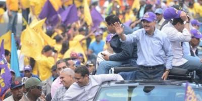Danilo encabeza marcha por comunidades del Nordeste