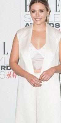 Elizabeth Olsen, petite, queda como Kim Kardashian con este chaleco. Foto:vía Getty Images