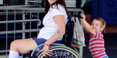 Gilchrist fue recluida al Hospital Princess Alexandra en Australia por una infección por estafilococo en su columna vertebral. Foto:vía Instagram