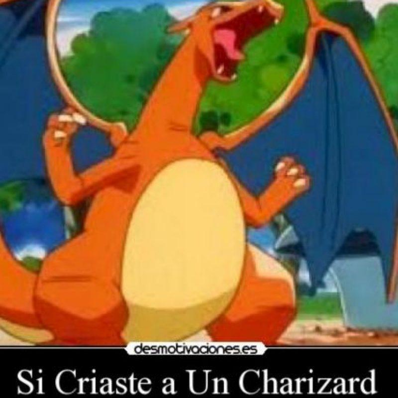 """""""Charizard"""" no es tan grande como algunos imaginaban, mide solo 1,70 centímetros. Foto:Twitter"""