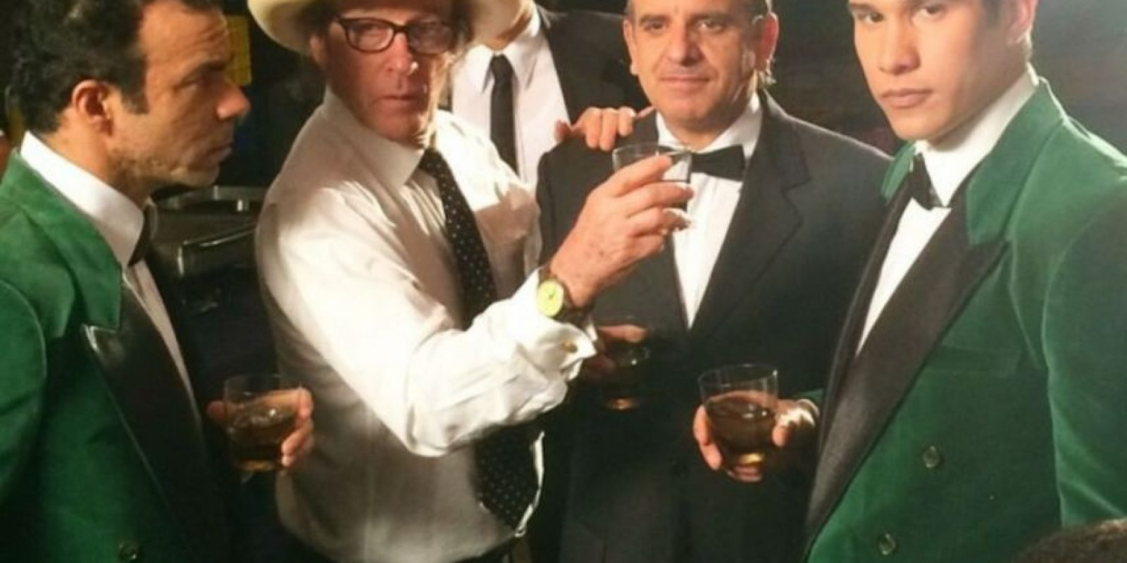 Junto al director Diego Rísquez y parte del elenco. Foto:Fuente Externa