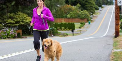 Al pasear a tu perro estás ejercitándote. Foto:Fuente externa