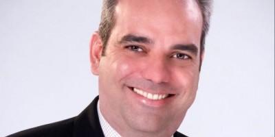 Luis Abinader promete reformas para un Estado más eficiente