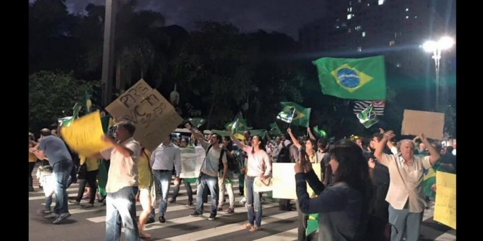 Muchos de ellos salieron a manifestarse. Foto:Vía Twitter @amigoperu76