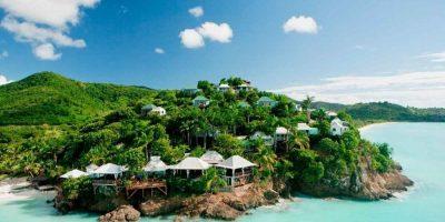"""6- Antigua y Barbuda. Con bahías con el color verde como protagonista y campos de piña tropical, sus nativos presumen de tener una playa para ¡cada día del año!, lo que es, sin duda, la atracción principal de las islas. Los complejos turísticos y hoteles se encuentran en la primera línea de playa o muy cerca del mar. Y no puedes dejar de probar su ron añejo y blanco, considerado por los expertos del área como """"exquisito"""". Foto:Fuente externa"""