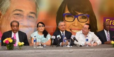 Roberto Salcedo recurre a caras conocidas y refuerza campaña