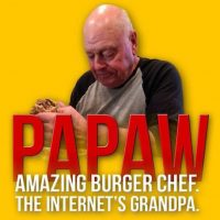 """Y ha sido nombrado por la comunidad como """"El abuelo de Internet"""" Foto:Twitter.com"""
