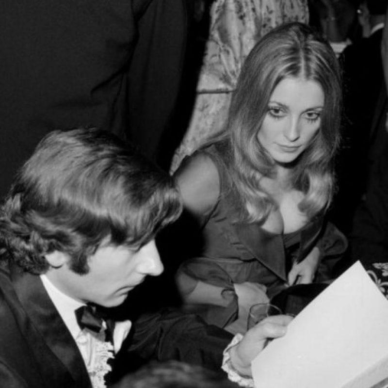 """Sharon Tate, esposa de Roman Polanski en los años 60, fue apuñalada en su casa por los seguidores de Charles Manson. Estaba embarazada de ocho meses. Escribieron """"cerda"""" con su sangre. Foto:vía Getty Images"""