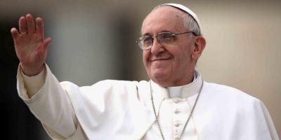 Papa pide asumir los compromisos con los refugiados
