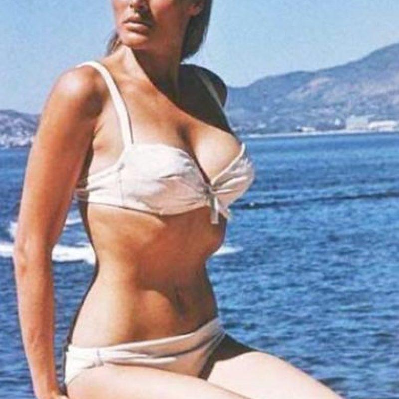 Ursula Andress se hizo famosa por aparecer en la primera película de James Bond. Foto:vía Getty Images