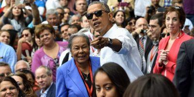 Obama saludó algunos presentes que se le acercaron. Foto:AFP