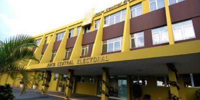 Partidos acuden a JCE a completar la cuota femenina