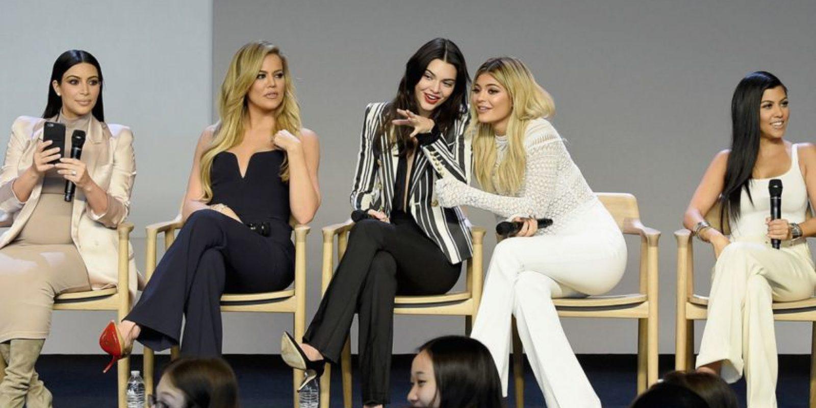 La línea de maquillaje de Kylie y la de ropa que comparte con Kendall. Foto:vía Getty Images