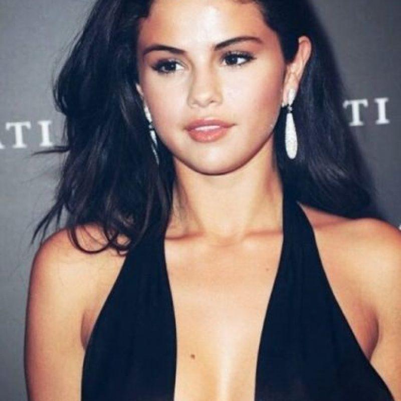 Selena Gómez superó esa cifra y ya registra 71.2 millones de seguidores en esta red social. Foto:Vía Instagram/@selenagomez