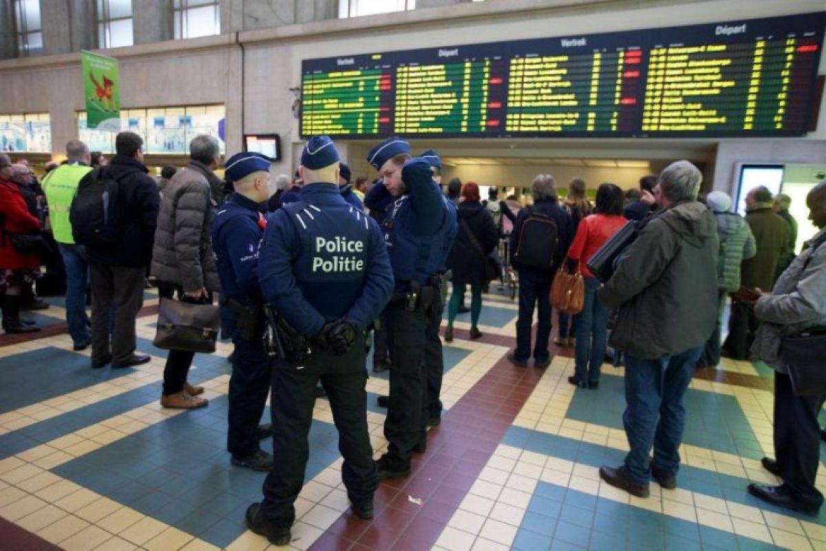 La seguridad aumentó en los aeropuertos y sitios de transporte público Foto:AFP