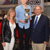 Antonio Alma y Heidi Scheidig premian a Antonio Tornal Atleta del Año 2015 Foto:Fuente Externa