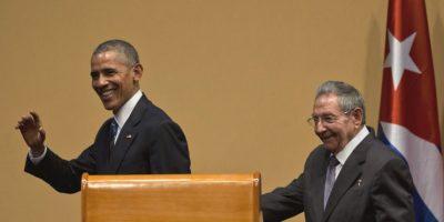 Tras una reunión en privado, los mandatarios ofrecieron una conferencia de prensa. Foto:AP