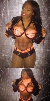 Y Naomi Foto:WWE