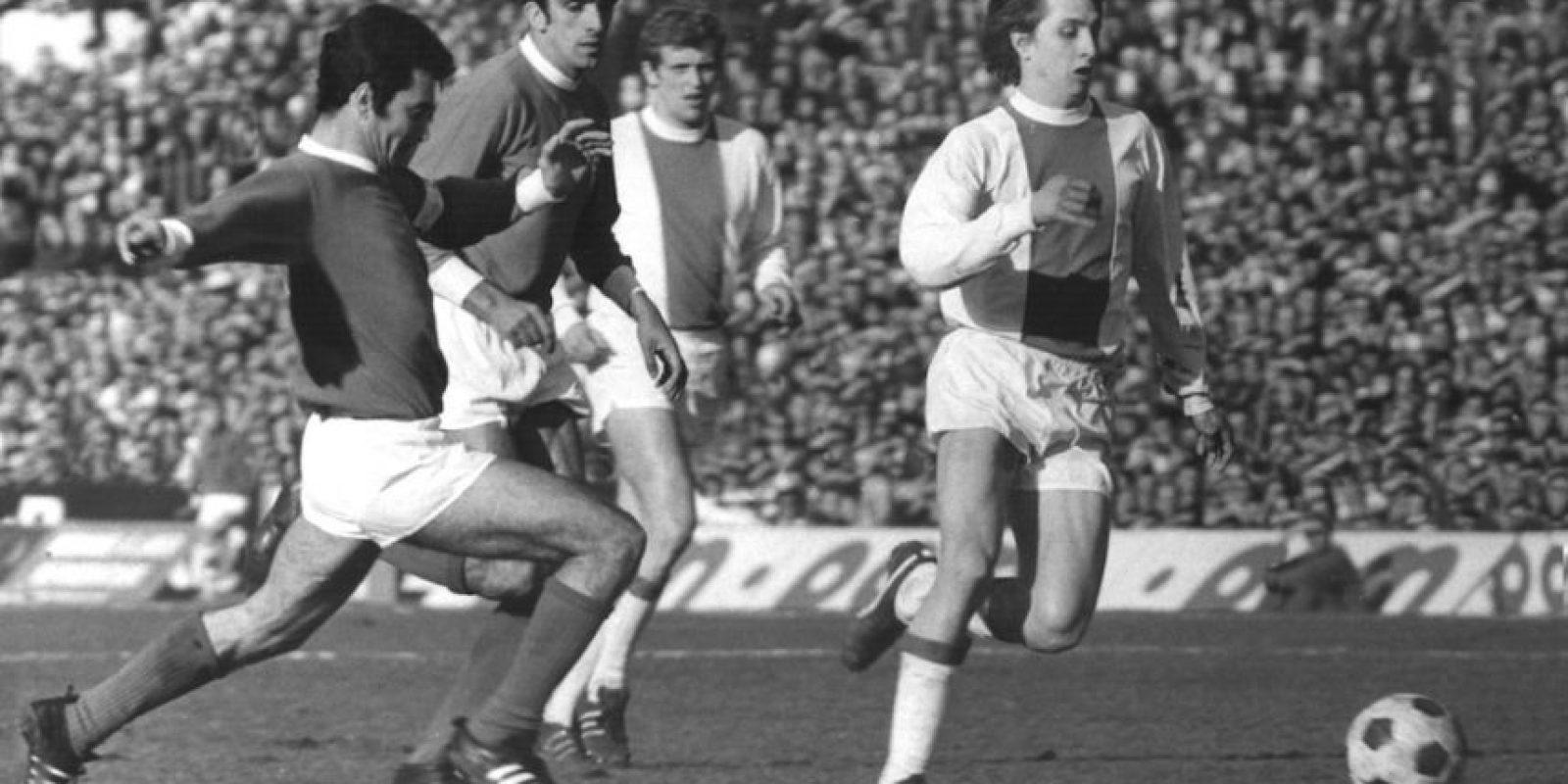 4. Su juego inteligente, técnica suprema y capacidad de liderazgo permitieron al FC Barcelona conquistar la Liga 1973-74 con una superioridad abrumadora, tras 14 años de sequía. Foto:Getty Images