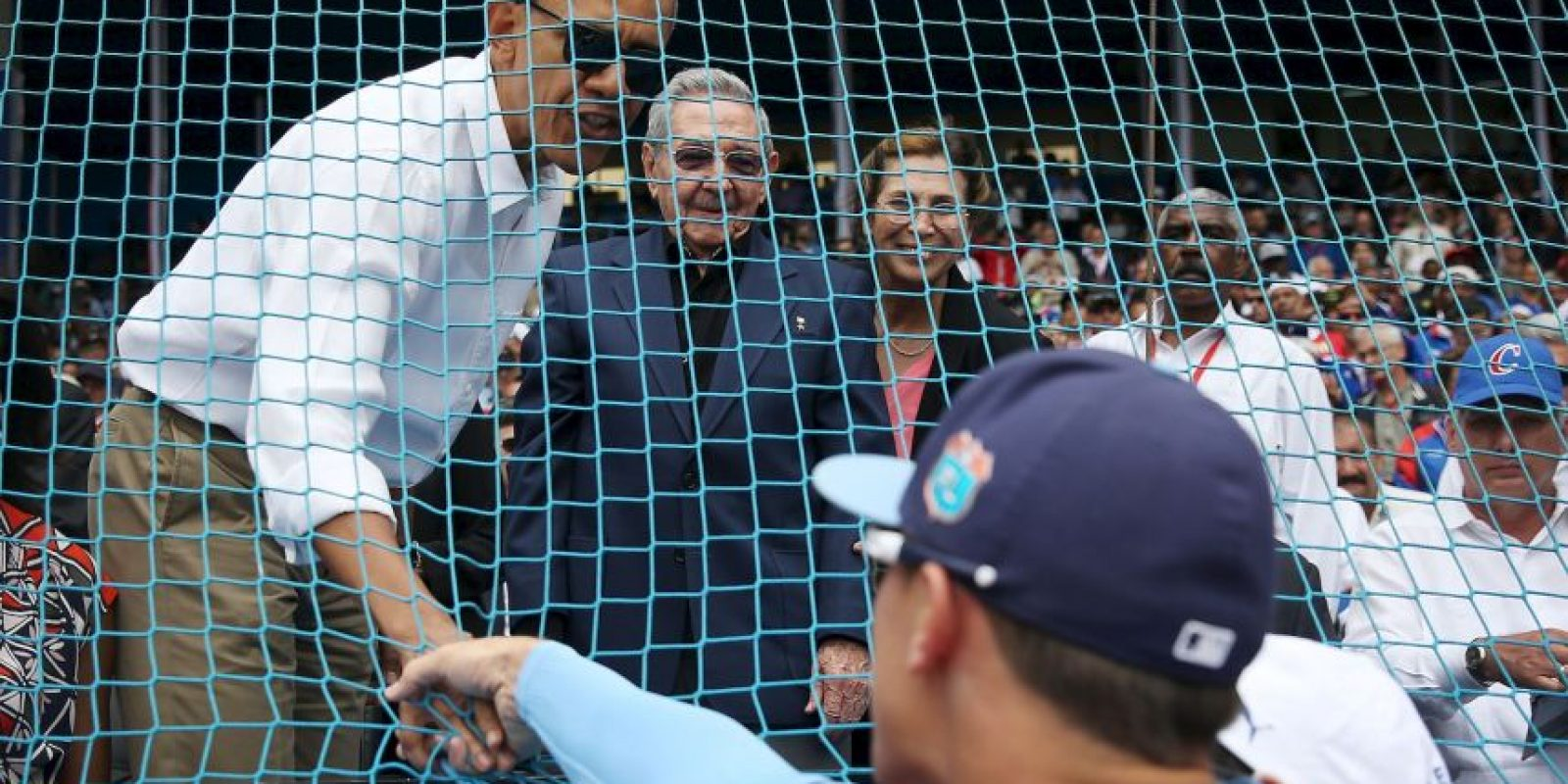 Antes de partir de Cuba, el martes 22 de marzo Obama acudió a un juego de béisbol junto a su familia. Foto:Getty Images