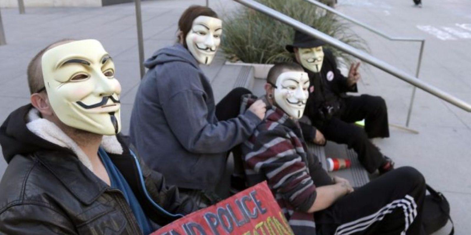 Anonymous no posee una jerarquía determinada y tiene miembros en todo el mundo. Foto:AP