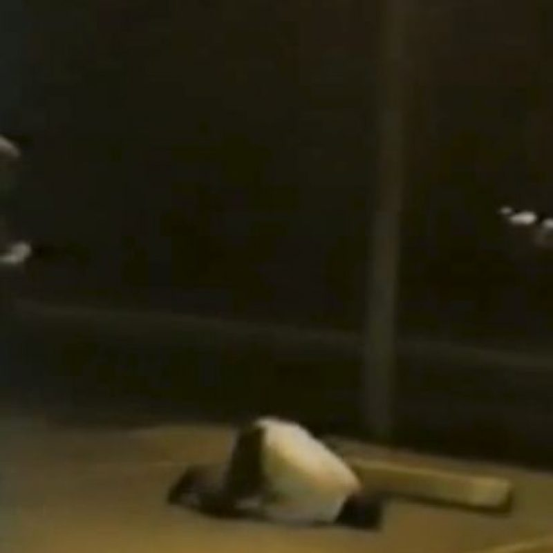 Así encontró la policía a este hombre. Foto:Imgur