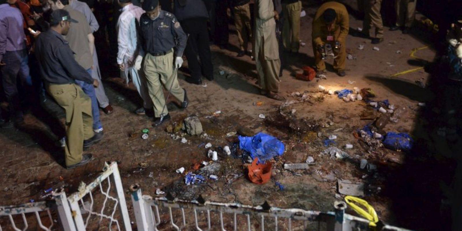 Cuando una persona detonó bombas cerca de los columpios. Foto:AFP